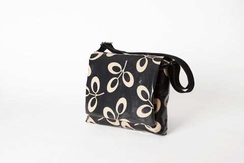 Black Leaf Shoulder Bag