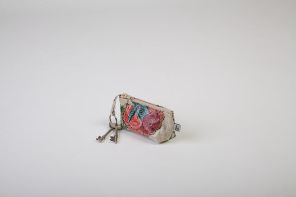 Country Linen Keyholder