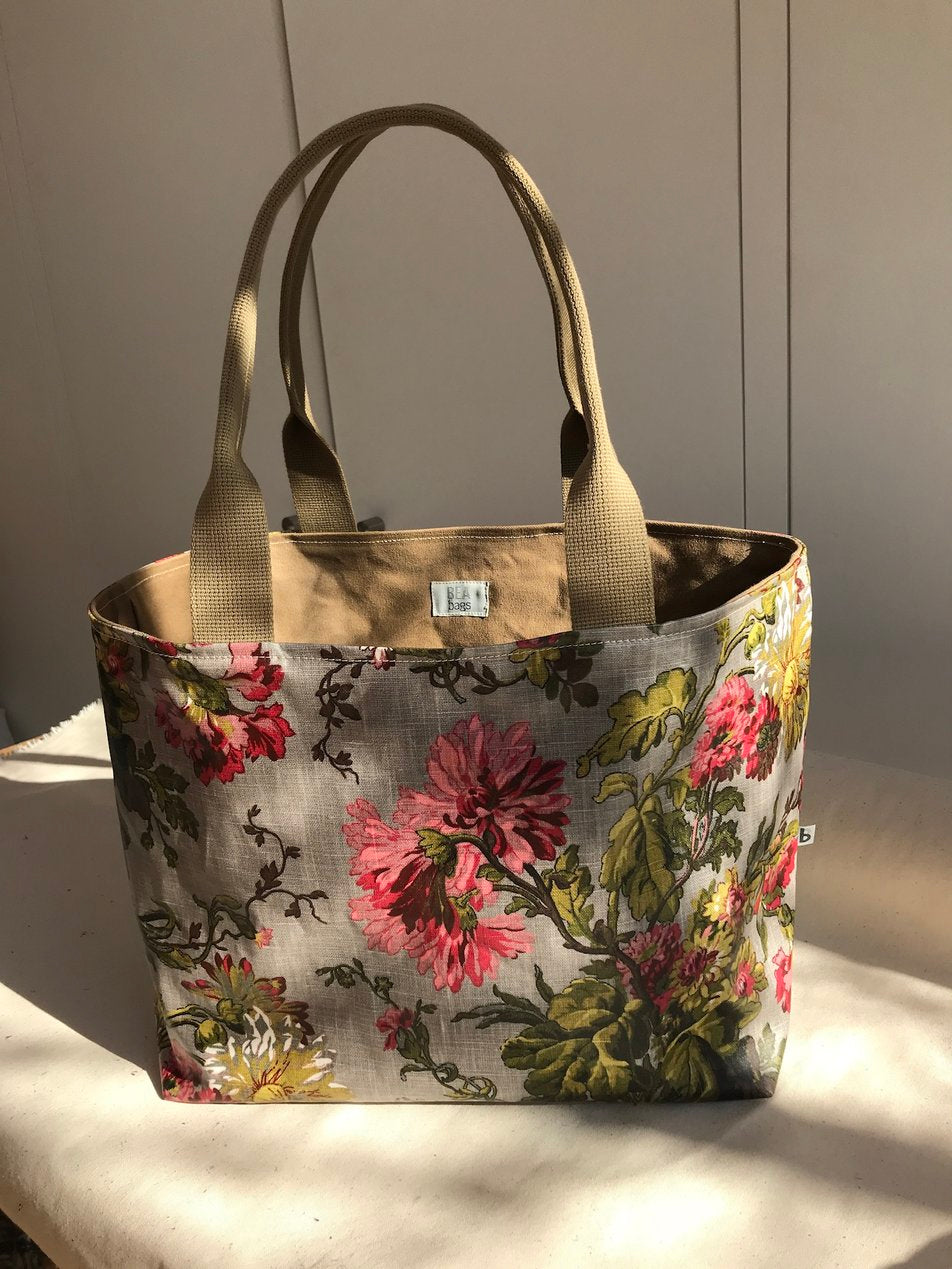Exotic Floral Shoulder Bag and Keyholder