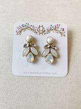 Load image into Gallery viewer, Mandy Earrings with Pearls