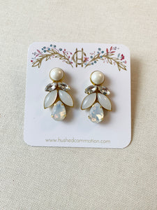 Mandy Earrings with Pearls
