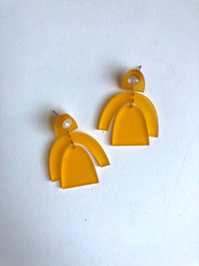 Marigold resin drop earrings // NEARLY NEW