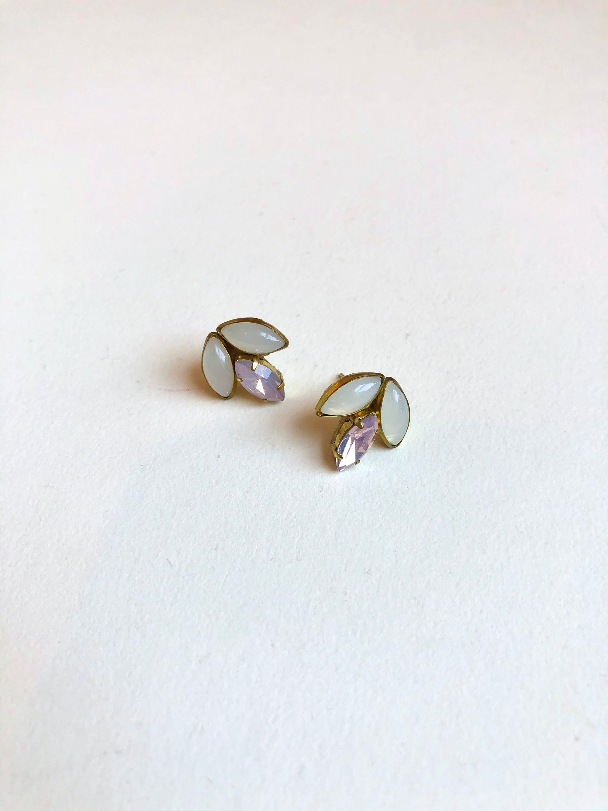 Erin earrings in BLUSH color // NEARLY NEW