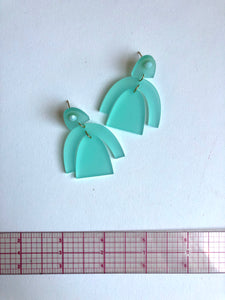 Laser cut Earring // NEARLY NEW