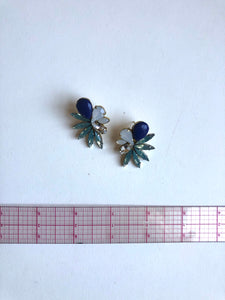 Falcon earrings in blue // NEARLY NEW