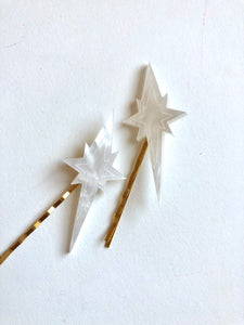 Star pins in mother of pearl resin // NEARLY NEW