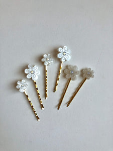 Mother of pearl resin hair pins// NEARLY NEW