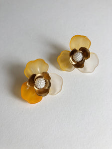 """Malin"" Stud Earrings // Ombre Yellow-honeymoon-collection-Hushed Commotion"