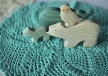 Charger l'image dans la galerie, Polar Animals Set - Wooden Handmade Montessori Open-ended Toy