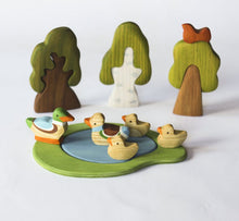 Laden Sie das Bild in den Galerie-Viewer, 5 Ducks Family - Wooden Handmade Montessori Open-ended Toy