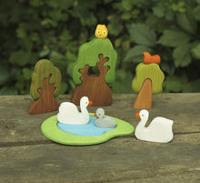 Laden Sie das Bild in den Galerie-Viewer, Swans Family - Wooden Handmade Montessori Open-ended Toy