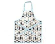 Laden Sie das Bild in den Galerie-Viewer, Montessori Hexagonal Apron - Support Children´s Independence