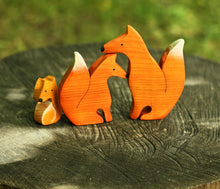 Load image into Gallery viewer, Foxes Family Puzzle - Wooden Handmade Montessori Open-ended Toy