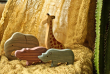 Laden Sie das Bild in den Galerie-Viewer, African Animals Set - Wooden Handmade Montessori Open-ended Toy