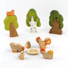 Laden Sie das Bild in den Galerie-Viewer, Hens, Chicks and Cock Family-Wooden Handmade Montessori Open-ended Toy
