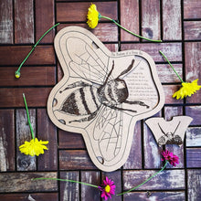 Load image into Gallery viewer, Anatomy of a Honey Bee Puzzle -Montessori Learning by Playing Material