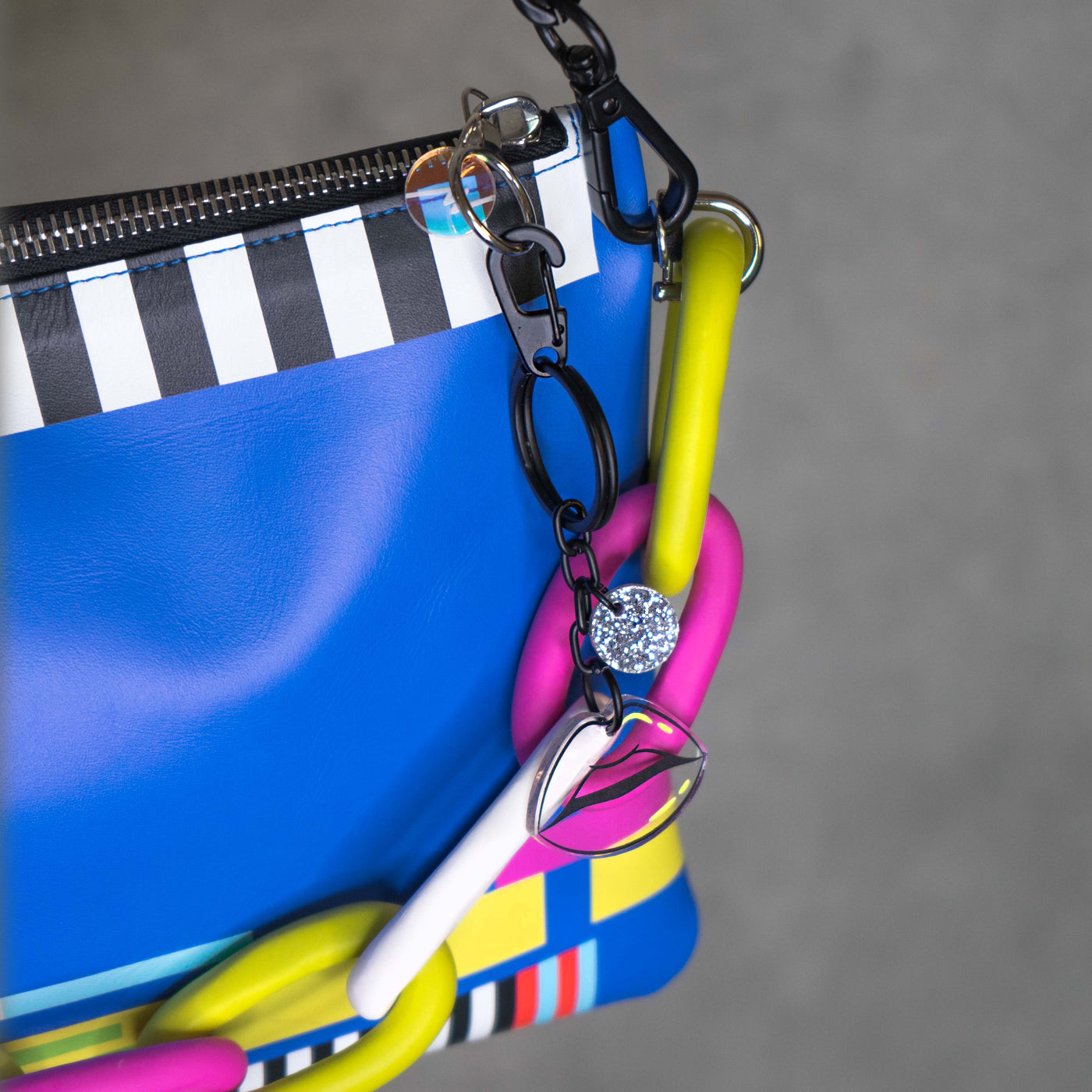 No Signal leather purse (colorful chain, blue back)