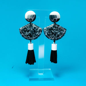 No Signal black static resin dangles