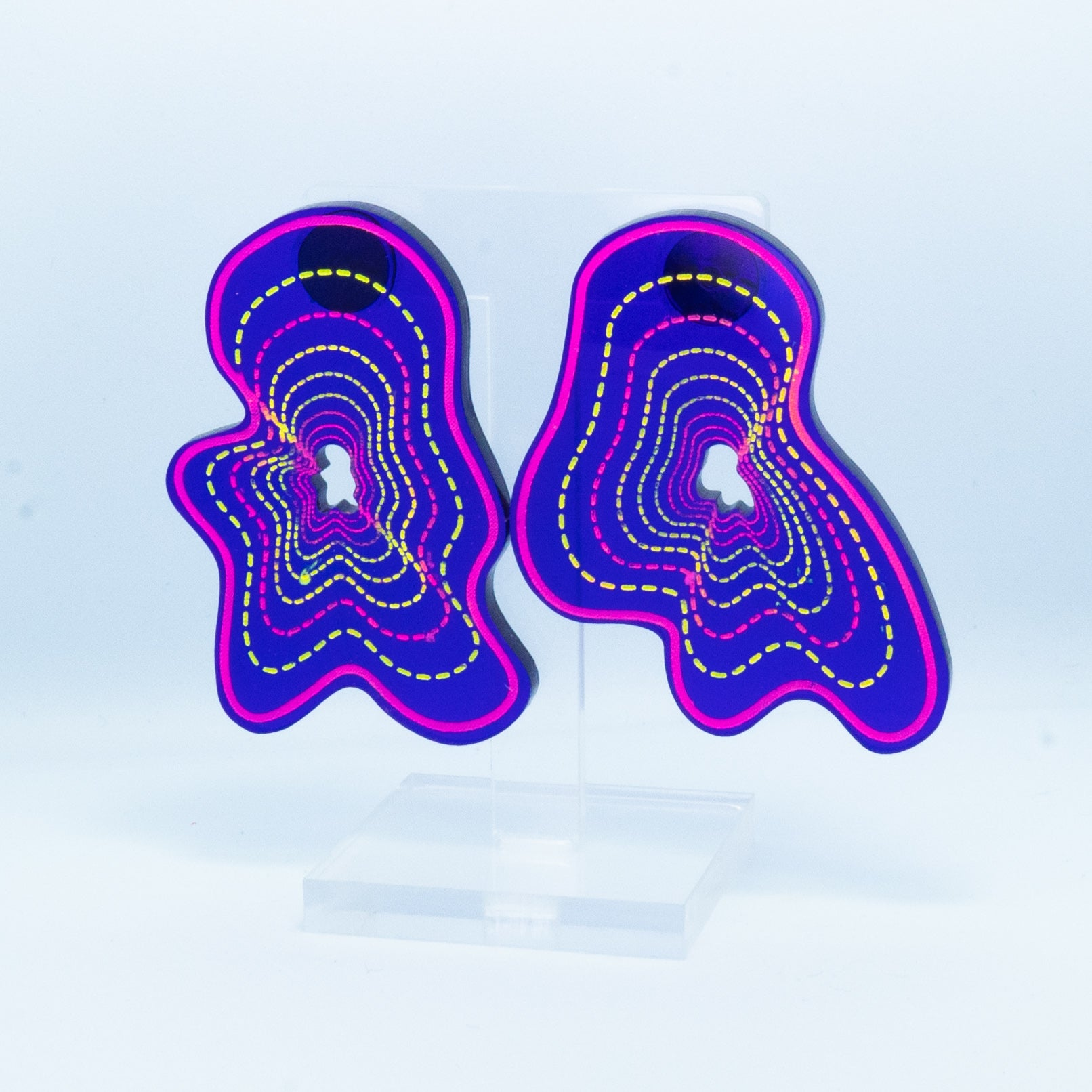 Vaporwave medium purple blob studs (pink outline)