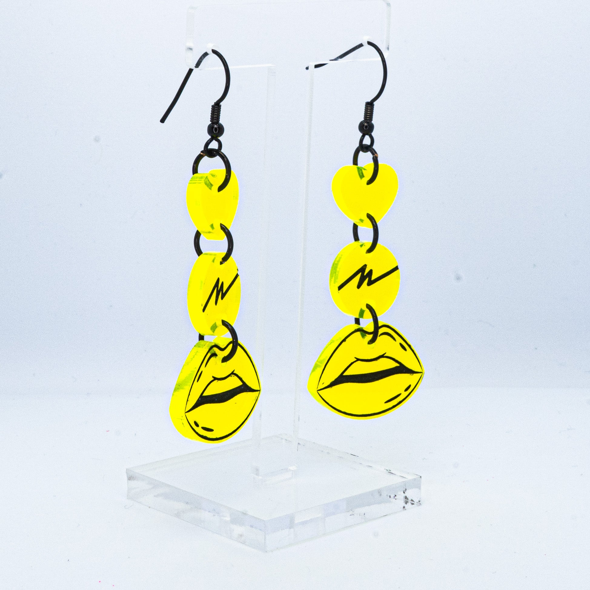 Small neon yellow squiggle lip hooks