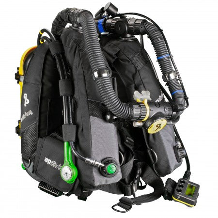 rebreathers-inspiration-evp-otscl-over-the-shoulder-counterlungs-white-mouthpiece-frontview-apdiving