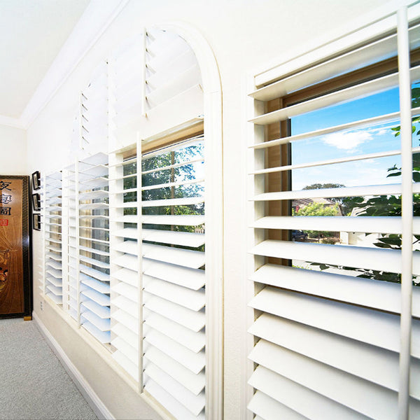 White indoor wooden plantation window shutters on China WDMA