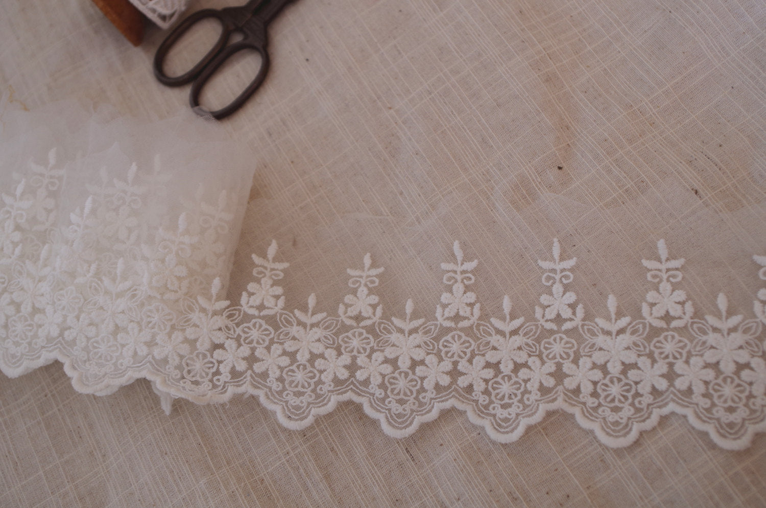 ivory lace trim, Embroidered floral Gauze lace WSCX087B