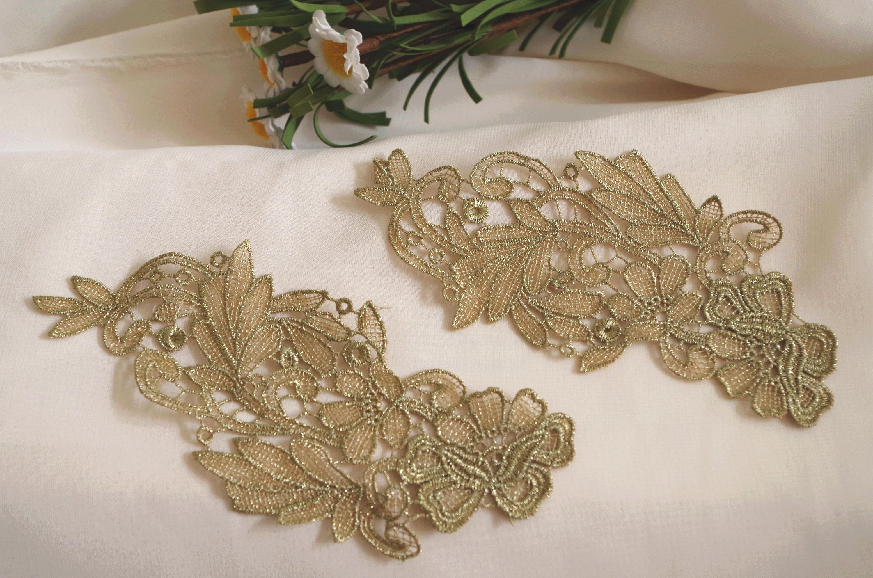 2pcs metallic gold lace applique by pairs, retro metallic gold venise lace applique