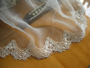 off White vintage Lace Trim, venise lace trim, scalloped lace, bridal lace trim, crochet lace trimming for bridal veil, retro lace trim