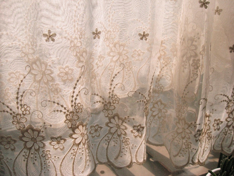 ivory Lace fabric, Embroidered tulle lace fabric, vintage gauze lace fabric, antique curtain fabric, cotton lace, one yard