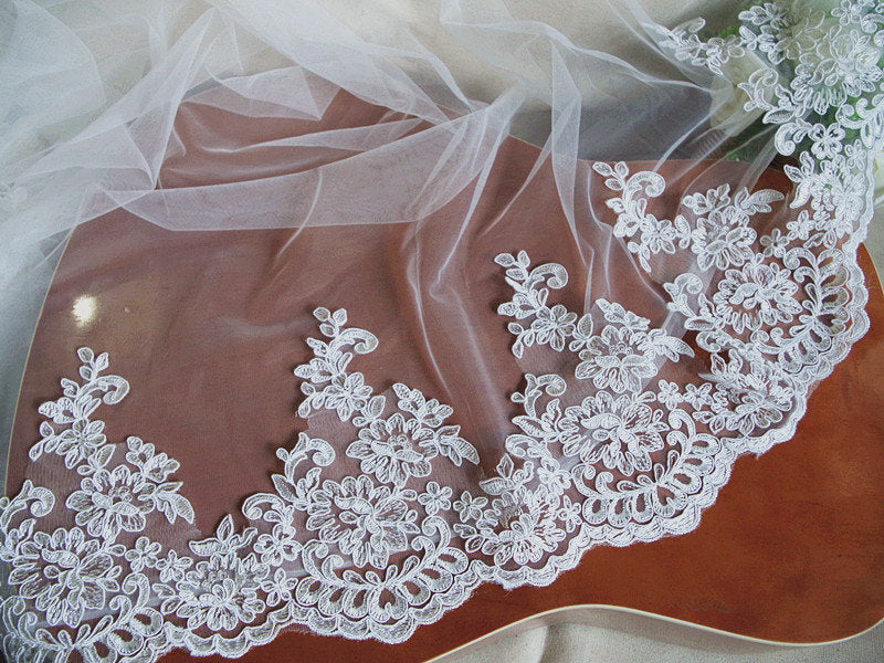 ivory alencon lace trim, bridal lace trim, cord lace, scalloped trim lace for bridal veil, retro style floral lace with scallops