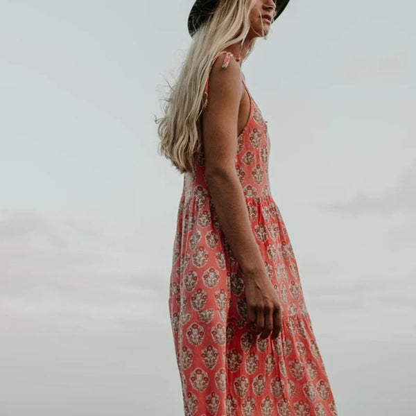 Sleeveless floral print maxi dress