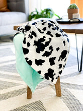 Load image into Gallery viewer, Blankets - Cow - Soft Baby Minky Blanket