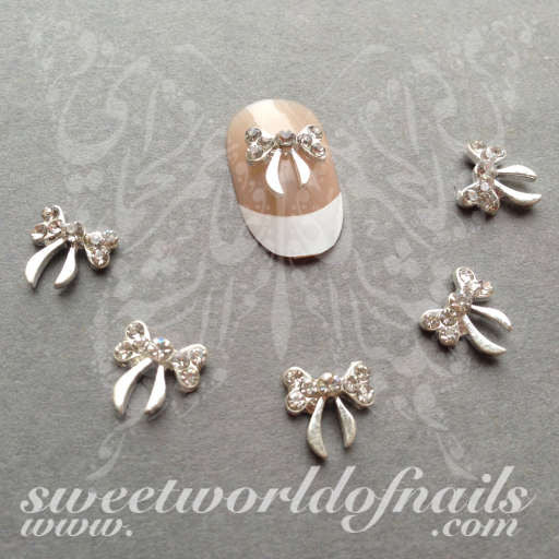 Christmas Nail Art 3D Silver Bow Nail Decoration/ 2pcs