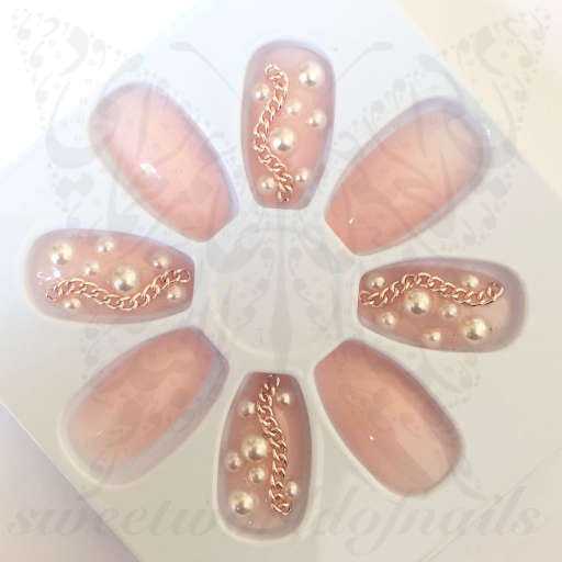 Pearl 3D Jeweled Fake Nails Falsies / 24 Nails