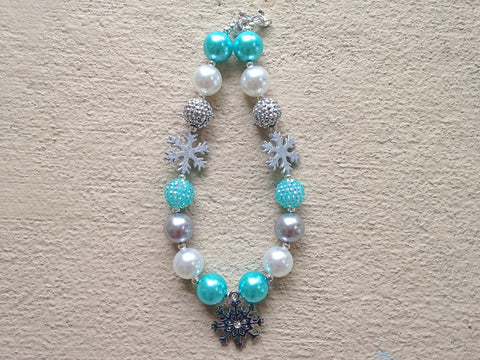 BLOWOUT Snowflake Chunky Necklace