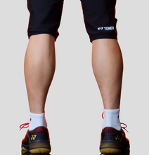 Load image into Gallery viewer, Yonex Men's Slim Fit Knee Length Shorts (Black) 201PH009M
