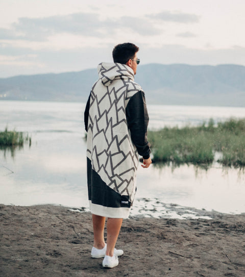 Mountain themed men's long sweatshirt surf poncho