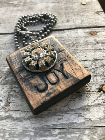 Vintage Button Necklace Joy