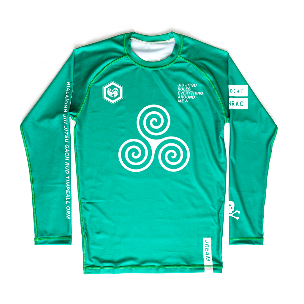Issue: 04 Comhrac Rash Guard