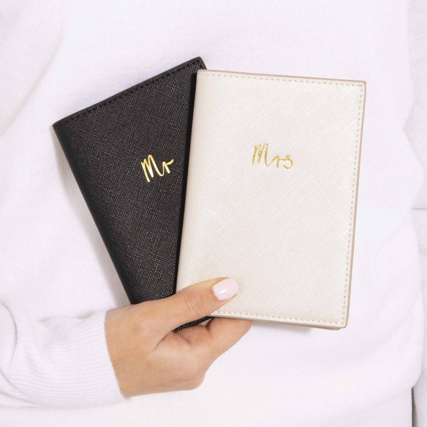 PASSPORT HOLDER - MR - BLACK