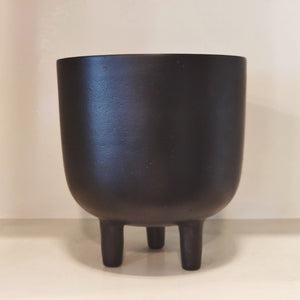 matt black finish three legged planter vara store 3