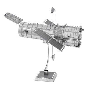 Telescopio espacial Hubble  de metal
