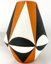 Load image into Gallery viewer, Sharon Muir - Arch Point Vase Tall