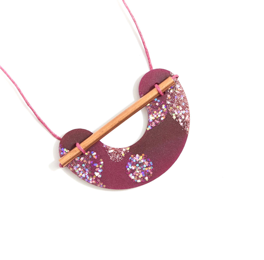 Martha Jean - Resin Necklace Burgundy