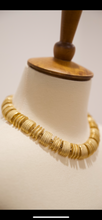 Load image into Gallery viewer, Dramatic gold necklace, 1970's