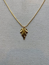 Load image into Gallery viewer, Gold Leaf Necklace
