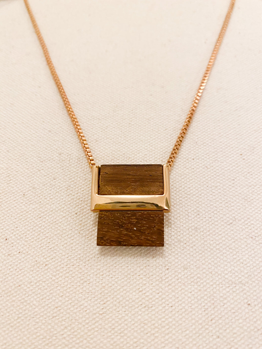 Rose gold and wood necklace, 1970's