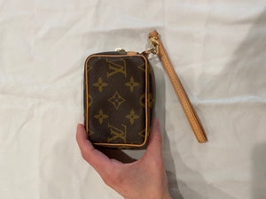 Louis Vuitton Change Purse Wristlet