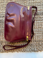 Load image into Gallery viewer, Oxblood Messenger Handbag